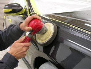 Устранение царапин на корпусе автомобиля